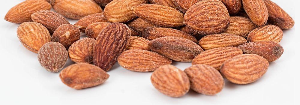 almonds-1768792_1920 (2)